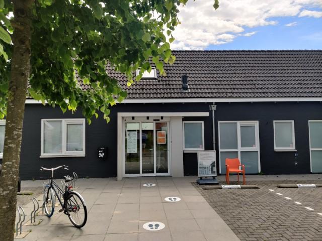 Diëtistenpraktijk Haren Carin Pool (MCH) - Entree gebouw Kromme Elleboog 24A