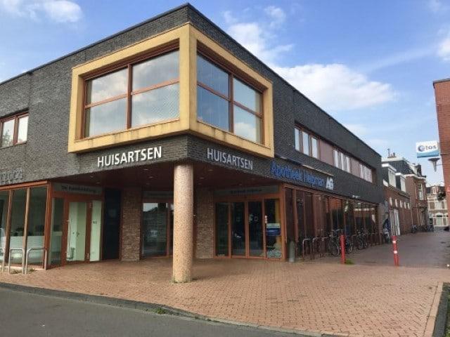 Diëtistenpraktijk Helpman Groningen - Carin Pool (buitenkant gebouw)