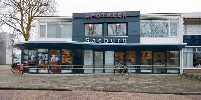 Diëtistenpraktijk Sneek Apotheek Sasburg - Carin Pool (buitenkant gebouw)