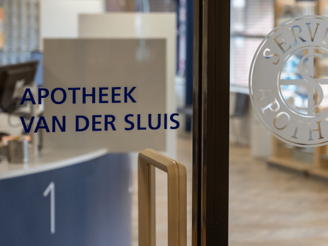 Diëtistenpraktijk Sneek Apotheek Van der Sluis - Carin Pool (entree)