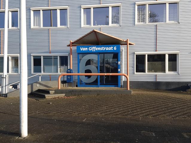Diëtistenpraktijk Sneek Van Giffenstraat - Carin Pool (buitenkant gebouw)
